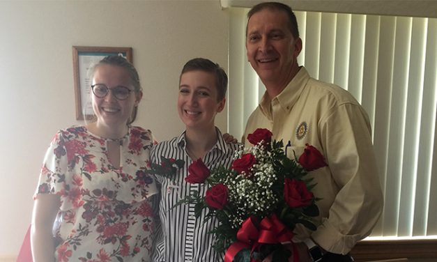 Rotarian Don Thomas and Rotary Youth Exchange students Zoe Kleijnen and Samantha Bartl